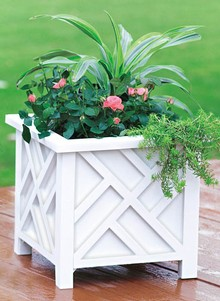 Classic-Style Chippendale Planter